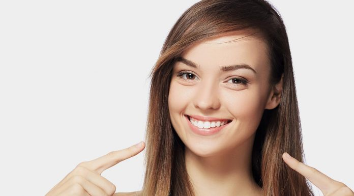 10 Effective Home Remedies for Whitening Your Teeth at Home