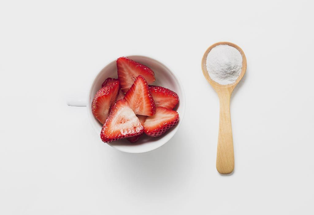 Strawberry and baking soda