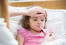 लहान मुलांच्या तापावर १४ उत्तम घरगुती उपाय