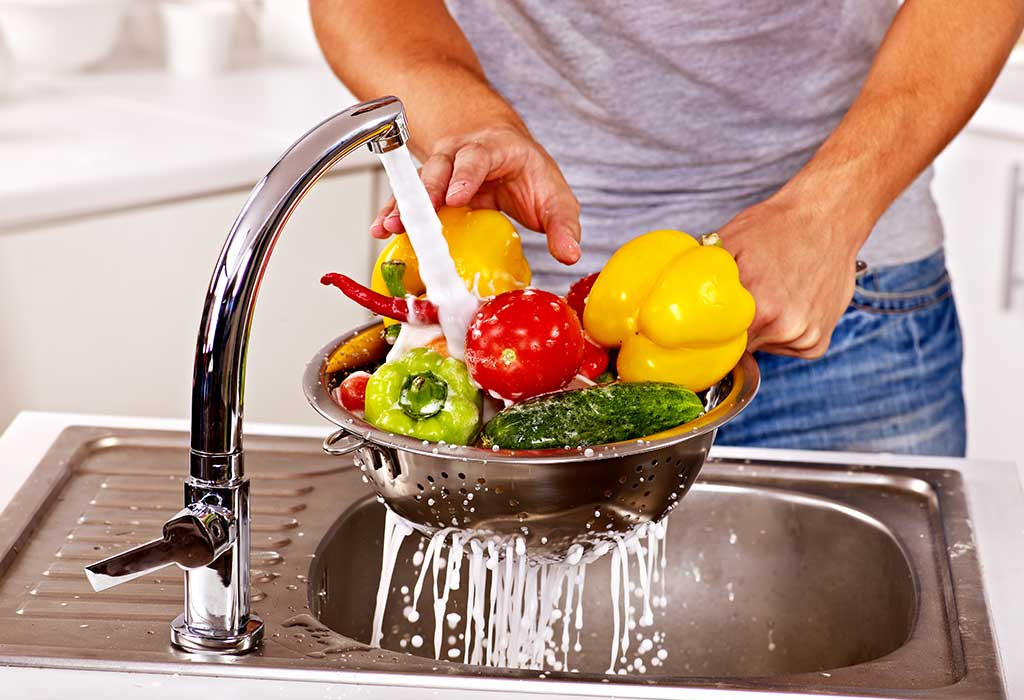 DIY Fruit and Vegetable Wash: Benefits, Recipes & Tips