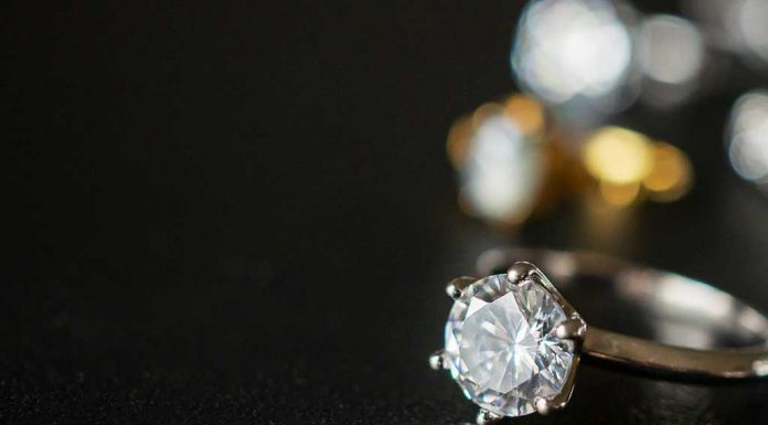 7 Tips to Buy Diamond Jewellery to Avoid Getting Cheated