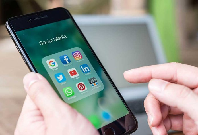 8 Ways Social Media is Ruining Your Relationship
