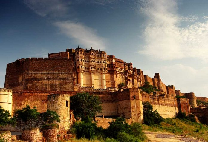 10 Magnificent Indian Monuments You Must Visit with Your Kids