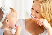 फ्लोराइड टूथपेस्ट - क्या इसे बेबीज, टॉडलर और बड़े बच्चे इस्तेमाल कर सकते हैं?
