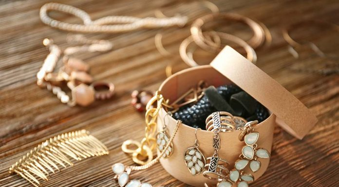 how to organize and store jewellery
