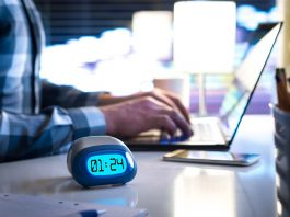 10 Effects of Working Night Shift and Tips to Stay Healthy