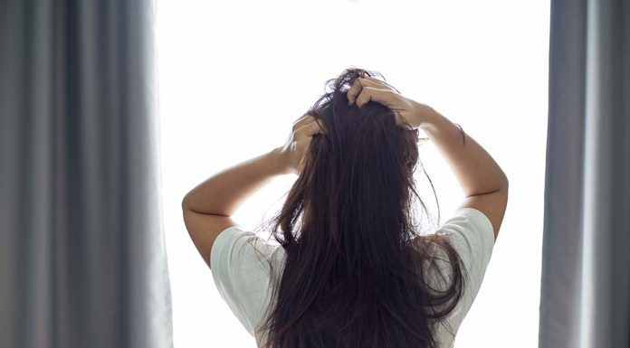 8 Effective Home Remedies for Dry Scalp
