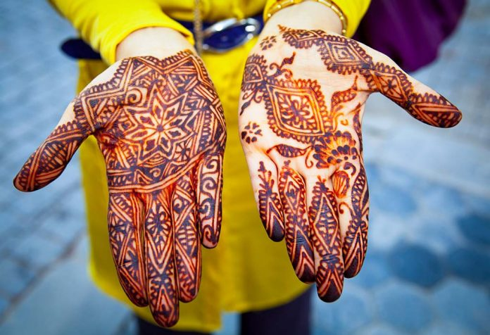 How to Remove Mehendi From Your Hands - 10 Remedies You Can Try