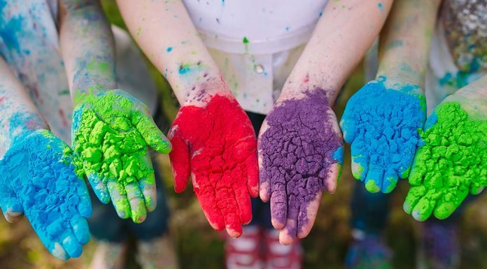 This Holi, Keep Your Child Safe With Natural, Homemade Colours