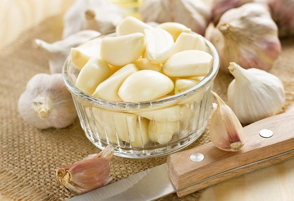 10 Benefits Of Eating Garlic On Empty Stomach