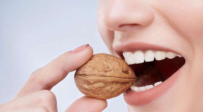 What You Should Eat for Strong & Healthy Teeth