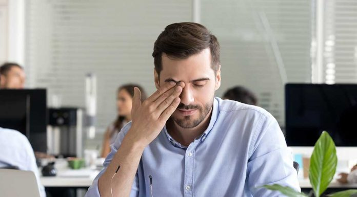11 Easy and Effective Home Remedies for Dry Eyes