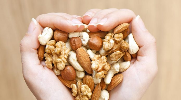 8 Best Nuts for Weight Loss