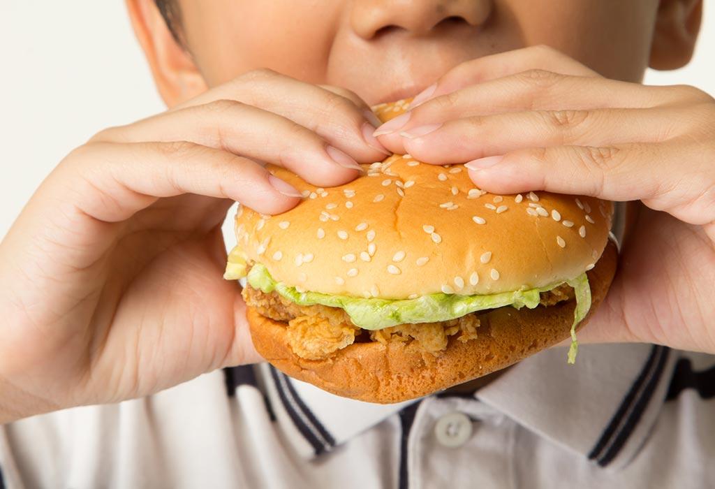 खाने की गलत आदतें होना
