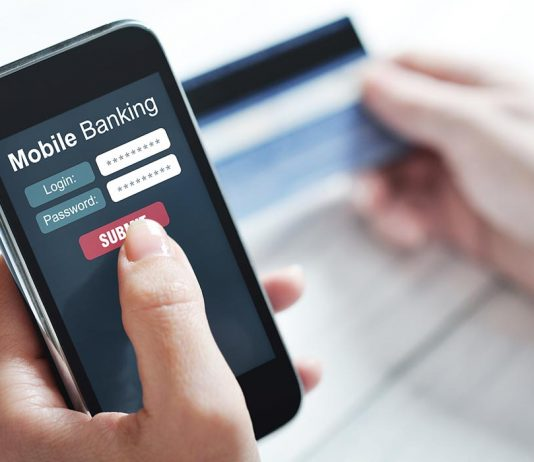 Advantages of Mobile Banking and Why you Should Try it!