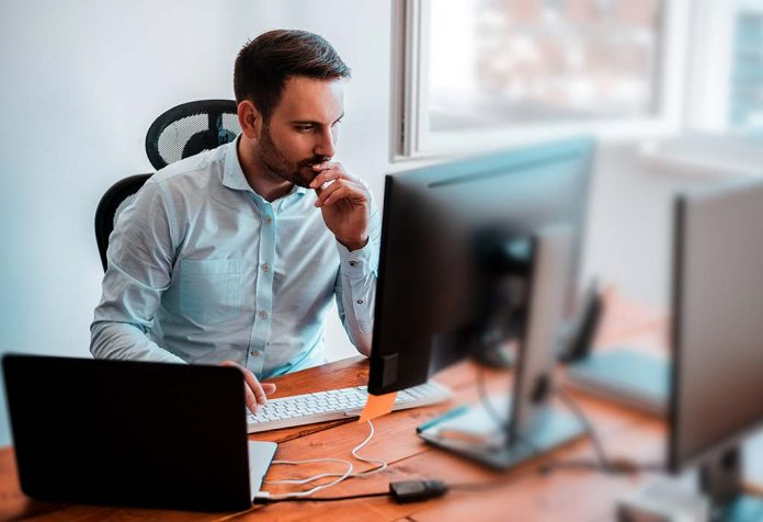 Proper Sitting Posture at a Computer - Tips to Sit Properly All Day at Your Desk