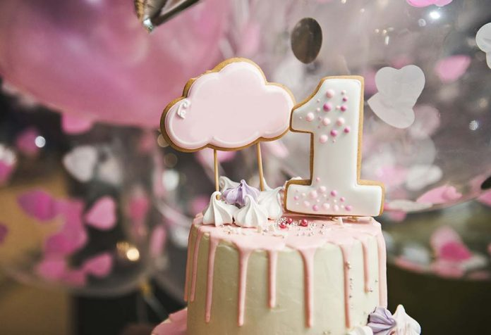 A Baby's 1st Birthday Celebration - Is a Grand Birthday Party Necessary?