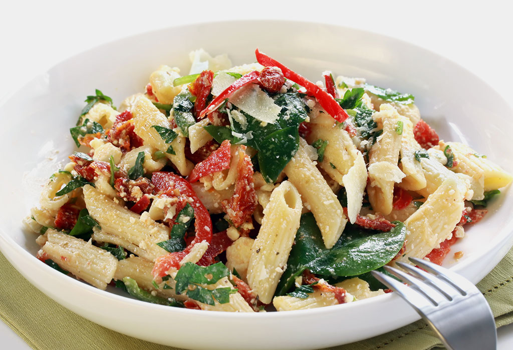 Spinach and Cottage Cheese (Paneer) Pasta