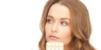 गर्भनिरोधक गोळ्या घेत असताना तपकिरी रंगाचा स्त्राव होणे सामान्य आहे का?