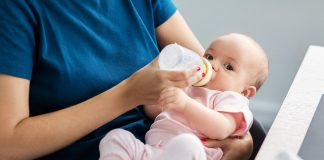 Your Baby's Feeding Bottle Can Be Harmful - Here's How You Can Pick the Right One