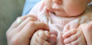 ३ महिने वयाच्या बाळाचे विकासाचे टप्पे