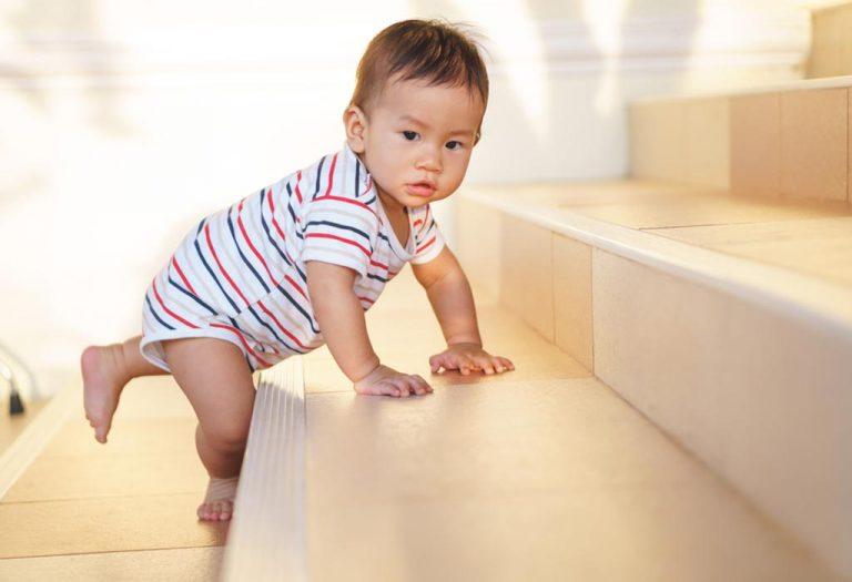 १० महिन्यांच्या बाळाचे विकासाचे टप्पे