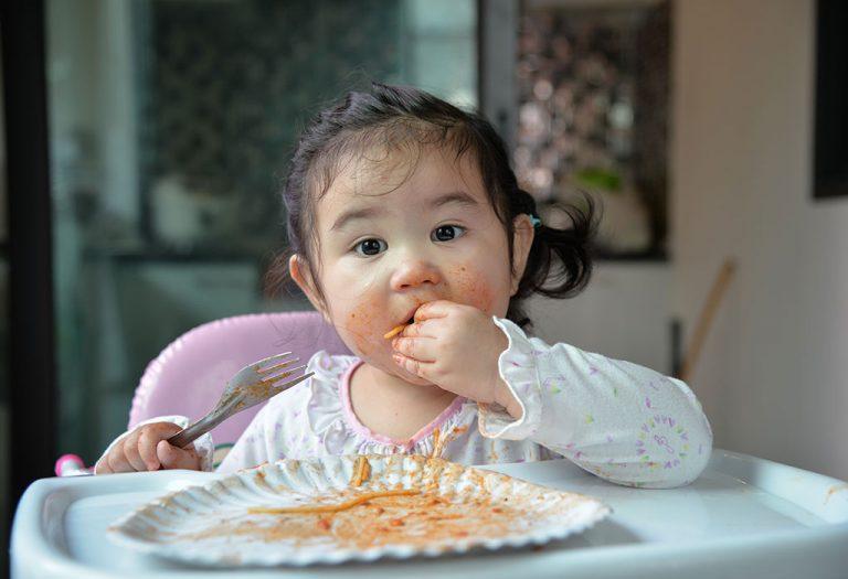 १६ महिन्यांच्या बाळासाठी अन्नपदार्थ – पर्याय, आहारतक्ता आणि पाककृती