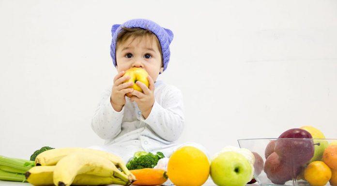 १ वर्षाच्या (१२ महिने) वयाच्या बाळासाठी पाककृतींसह आहार तक्ता