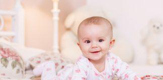तुमच्या ७ महिन्यांच्या बाळाची वाढ आणि विकास