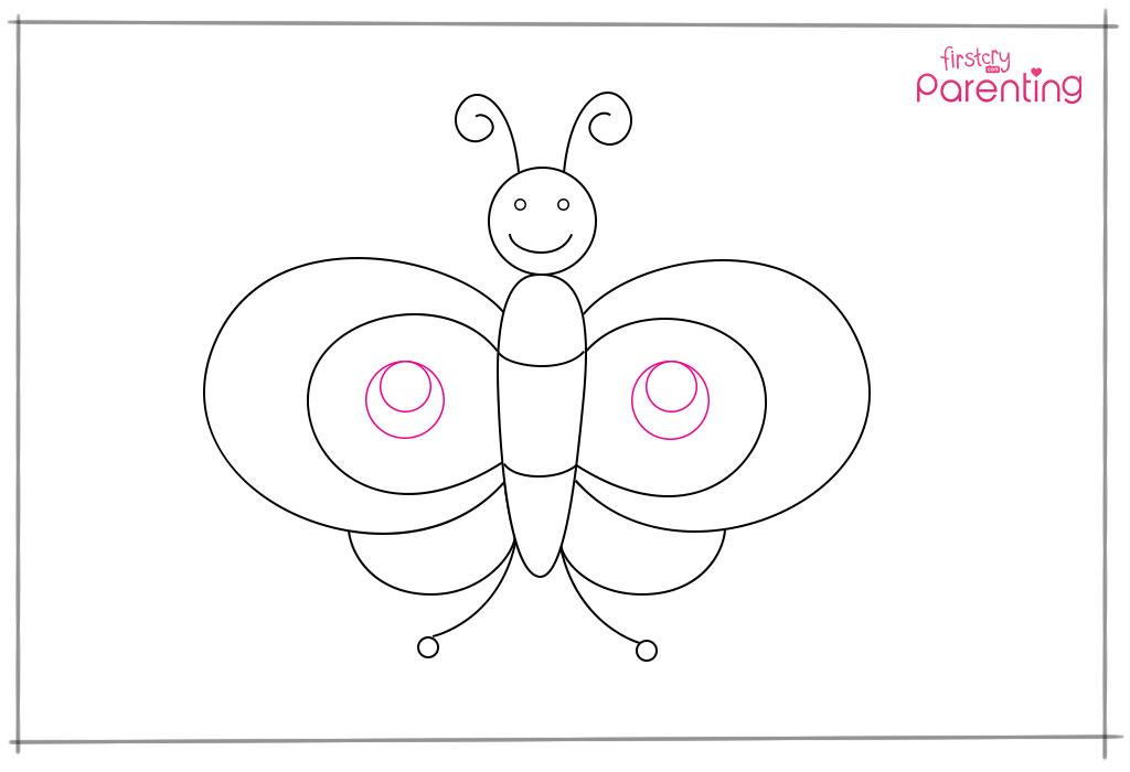 स्टेप 10: आगे के दोनों पंखों के बीच में सेंटर में सर्कल ड्रॉ करें