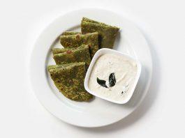 Paneer Palak Paratha Recipe for Kids' Tiffin