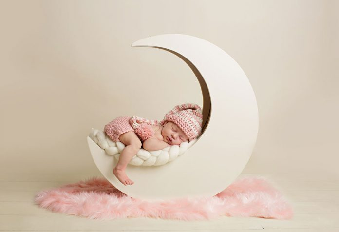 Baby Girl Names That Means Moon