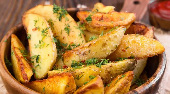 Baked Potato Wedges Topped With Cheese Recipe