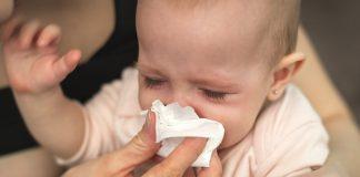 बाळाचे नाक स्वच्छ करण्यासाठी सोपे उपाय