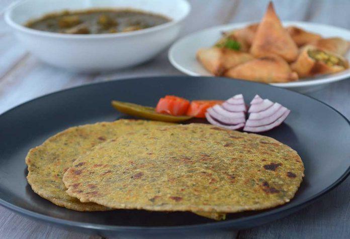 Stuffed Paneer Palak Paratha Recipe