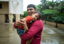 "Pune Man Wins ""Best Mommy of the World"" Award"