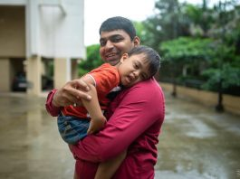 """Pune Man Wins """"Best Mommy of the World"""" Award"""