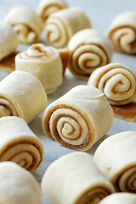 Mini Cinnamon Rolls With Cream Cheese Frosting
