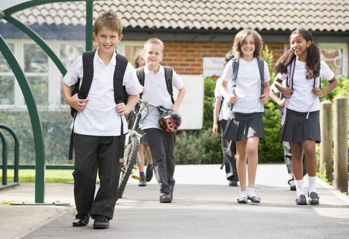 Year-Round School - Pros And Cons for Kids