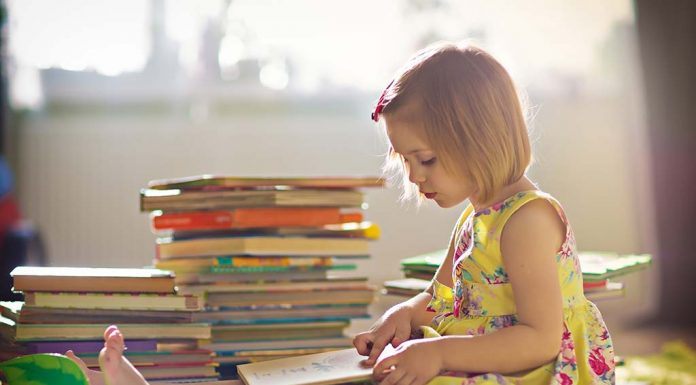 Introducing Books to Your Child and How to Raise a Reader