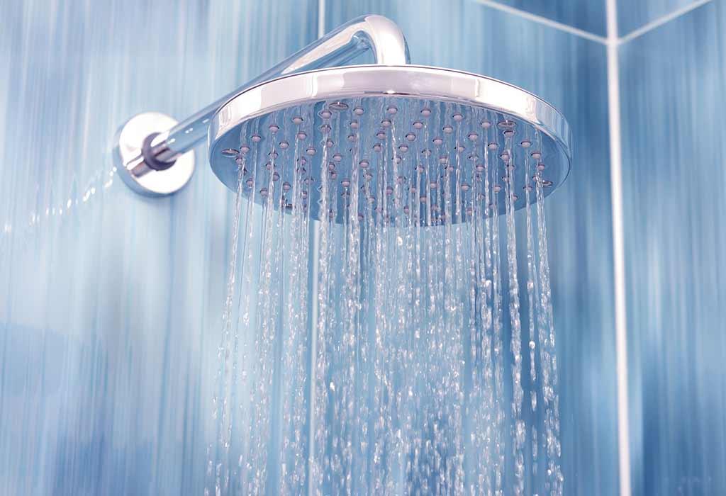 गरम पाण्याने आंघोळ केल्याने विषाणूचा नाश होतो