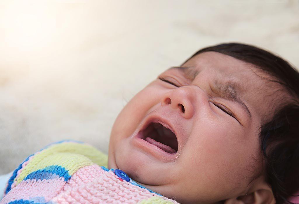 बेटू रोते हुए
