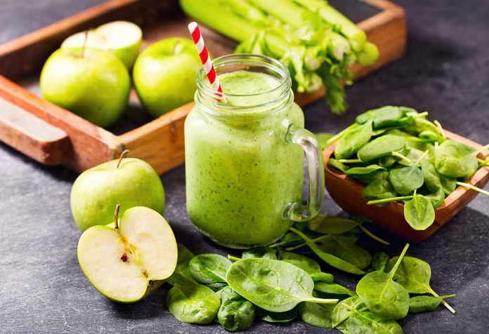 Palak (Spinach) + Grapes + Apple Juice Recipe