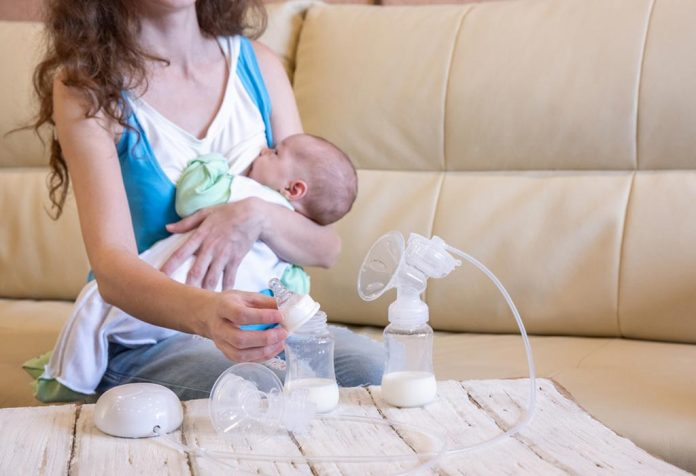 Tips to Balance Breastfeeding and Pumping Schedule
