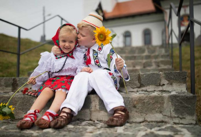 100 ROMANIAN NAMES FOR GIRLS AND BOYS