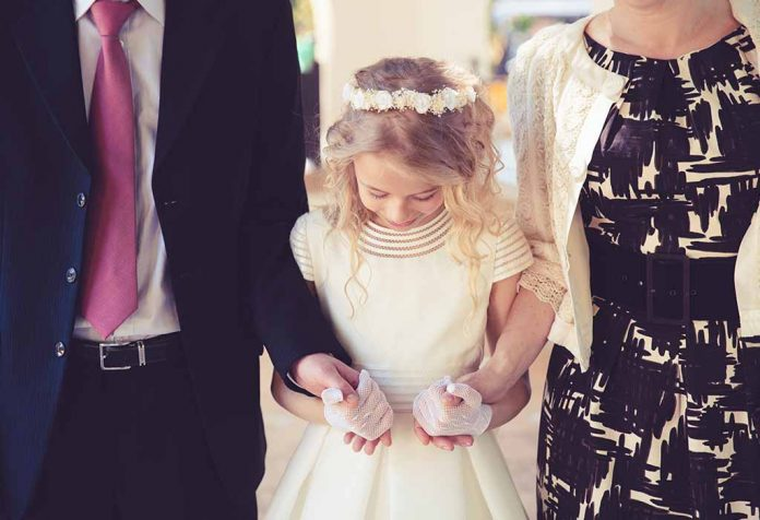 Beautiful Ideas to Celebrate Your Child's First Communion