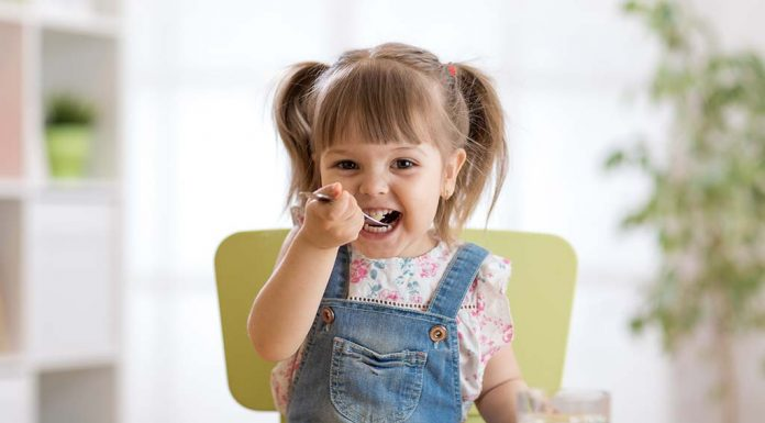 15 Yummy and Super Healthy Snacks for Kids