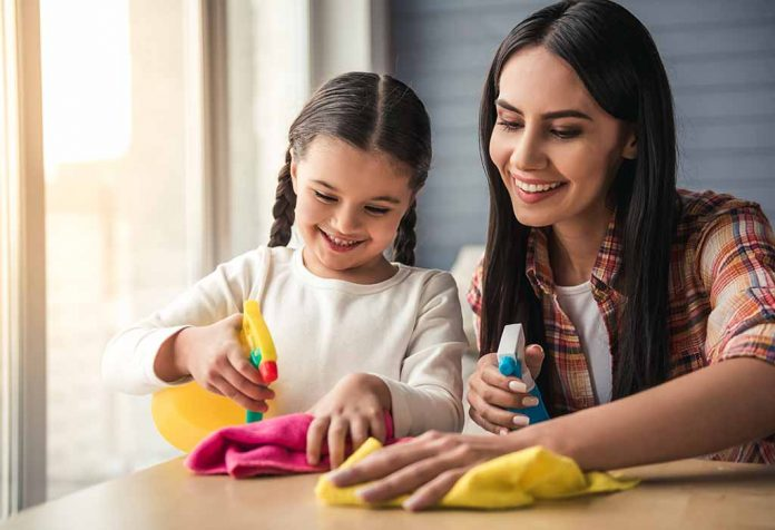 Simple House Chores to Keep Your Kids Busy and Their Benefits