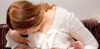 Just Had Twins? Here's Everything You Need to Know About Breastfeeding Them!