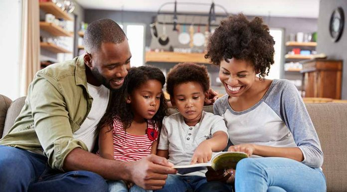 parents reading with kids